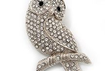 Jewelry - Brooches & Pins
