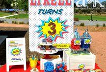 A&K Lolly Buffet {Spiderman Birthday Mini Dessert Buffet} / http://aandklollybuffet.com/2013/10/27/spiderman-themed-birthday-dessert-buffet/
