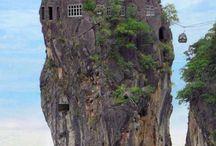 We Love Weird & Wonderful Houses