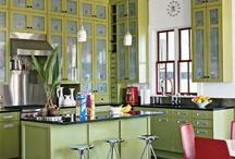 Kitchens / by Clara Zambrano