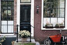 ∫ Amsterdam ∫