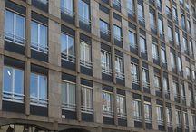 I NOSTRI SUCCESSI - Trilocale con soggiorno triplo Centro Storico / In stabile signorile anni '70, con portineria, prestigioso #appartamento di circa 140 mq posto al 4° piano.