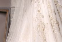 stunning wedding gowns / Addicted as I am to haute couture and dreamy dresses, I´ll show you a choice of some of the most magical wedding gowns and what to wear with them..Dream on..