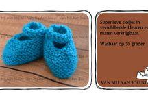 Gehaakte slofjes en booties / Gehaakte slofjes, booties, slippers en andere schoentjes op maat en kleur gehaakt door Van Mij Aan Jou. (http://www.vanmijaanjou.nl)