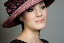 Női kalapok, kendők, sálak
