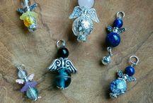 Engeltjes / engeltjes gemaakt van minstens één edelsteen/mineraal