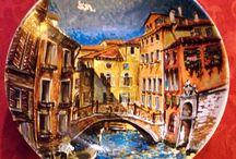 porcellana e vetro dipinte a mano / porcellana e vetro dipinte a mano ,autore M Sambur