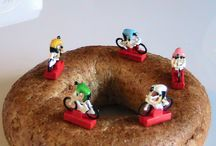 Photos of tiny cyclists / Random photographs of tiny little cycling figurines as taken by Old Bleach - kinda nerdy
