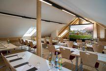 """Tagungen & Seminare / Die Geroldsauer Mühle bietet 3 Räume für Veranstaltungen: Die beiden Tagungsräume """"Oostal"""" und """"Grobbachtal"""" für kleine Gruppen bis zu 30 Personen und den großen Saal """"Rehgarten"""" für bis zu 150 Personen."""