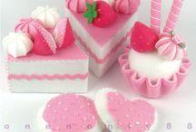 Felt desserts