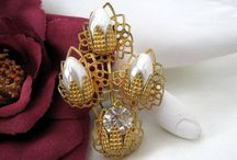 Vintage Brooches on VintagObsessions on Etsy / Vintage Costume Jewelry for Sale on Etsy