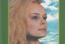 Anastazja / Zapraszamy Cię na spotkanie z Anastazją, niezwykłą dziewczyną z Syberii. Dzięki niej poznasz tajemną wiedzę starożytną, która sprawi, że inaczej spojrzysz na otaczający Cię świat