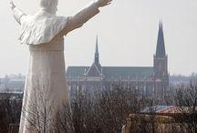 DIAPORAMA : TOUR DU MONDE DES 20 STATUES DE JEAN PAUL II
