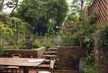 Kleine tuin in de stad / Ook met kleine (stads) tuinen zijn er veel leuke creatieve mogelijkheden. Doe hier inspiratie op.