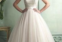 Wedding dresses / by Raychel Ferrera