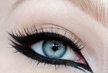 eyeliner on fleek
