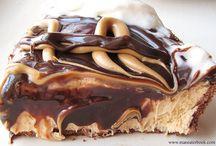 desserts / by Allison Breidenstein-Scurci