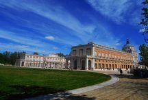 EL PALACIO REAL DE ARANJUEZ Y LOS JARDINES DEL PARTERRE Y DE LA ISLA. / Imágenes de Este original palacio
