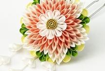 Kurdele çiçekler