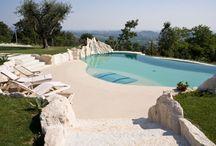 Piscine e SPA / Con il polistirolo si possono realizzare piscine e centri benessere dalle forme sinuose, che con i casseri tradizionali sono difficili da mettere in opera.