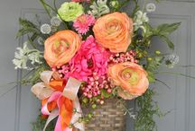 Wreaths/Door Hagers/Flowers