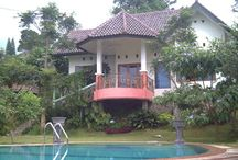 Sewa Villa Dikawasan Puncak Bogor / Bagi anda yang sedang ingin liburan dikawasan Puncak Cisarua Bogor. Puncak Cisarua adalah tempat yang tepat untuk Anda.  Kami menyediakan villa dengan tipe berpariasi dan lokasi villa tidak jauh dari tempat-tempat wisata.    Untuk Info dan Pemesanan Silahkan Hubungi Kami :  Jl. Raya Puncak Km.83 Cisarua - Bogor 16750 Telp. : 085213251165  Email : puncak_cisarua@yahoo.com Website : puncakcisarua.blogspot.com