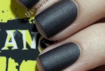 Nails... *awwwwhhh*