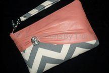 Handbags / by Laura E