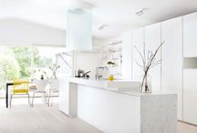 Dream Kitchen / Ideas for a white, modern kitchen