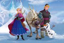 Frozen Behang Disney / Laat je betoveren met dit magisch Disney fotobehang. Haal de prachtige Disneyfiguren Anna, Elsa en Olaf in huis! Leuk voor in de kinderkamer!