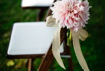 Blooms - Dahlia / Wedding flower inspiration for brides who love Dahlias! These are a fall bloom and will be perfect for your autumn wedding :)