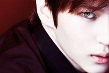 VIXX --> Leo