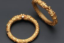 Jewellery antique