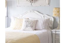 Bedroom yellow