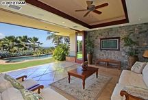 Hawaii Homes: Living Rooms / Some of our favorite living rooms from homes around Maui, Hawaii.