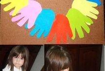 Une main chenille