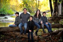 Family picture ideas / by Aimee Anderton
