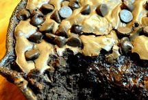 desserts / by Michelle Nail-Noftsinger