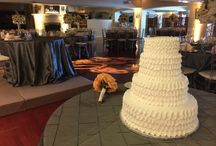 Wedding Cakes / The latest in Wedding Cake fashion!!