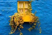 kapılara, pencerelere, balkonlara