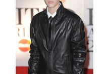 Justin Bieber Black Jacket in Brit Awards 2011