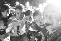 One Direction selfies