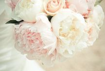 Flowers // Fleurs / centerpieces, ceremony florals, reception florals, bouquet, bouts