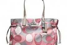 Now THAT'S a bag! / I love handbags! Here, I'll show you... Lol / by Monica Jackson