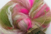 Hand-carded, semi-textured batts, combed top