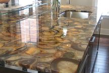 Crazy Countertops / Benchtops / Super cool concrete and epoxy countertops and table tops to inspire us!