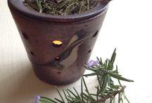 茶香炉 JapanesesTableware / お茶葉でアロマ効果♪ お部屋にお茶の香りがいっぱい。 そしてその後 お茶葉は ほうじ茶として お楽しみ頂けます♪ 一石二鳥の茶香炉です♪ お茶の香りと キャンドルの炎の揺らめきに 癒されて下さい♪