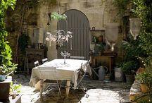 Italian courtyard / Ideas for a courtyard with an Italian theme