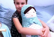 Needlefight! Knitting vs Crochet