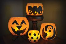 Festa: Halloween! Halloween! Halloween! / In this town, we call home, everyone hail to the pumpkin song...